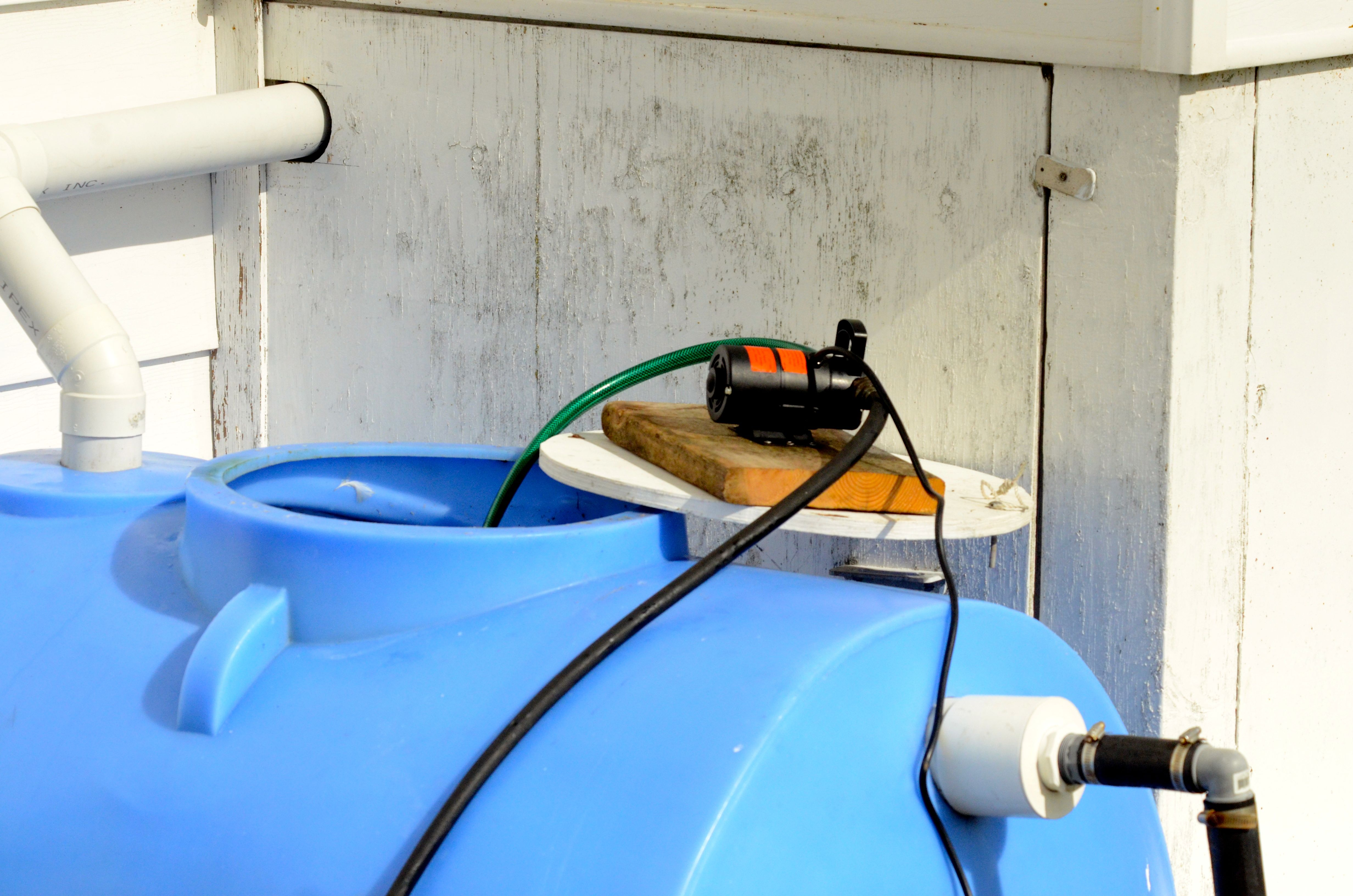 Water Tank Cleaning : March cleaning diving and nearby blasting race